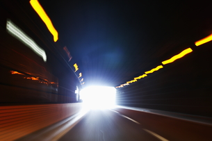 トンネルの出口の写真素材 [FYI00303712]
