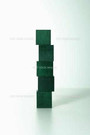 緑の積み木の写真素材 [FYI00303798]