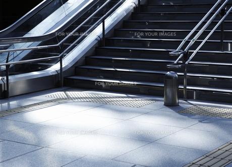 階段とエスカレーターの写真素材 [FYI00304094]