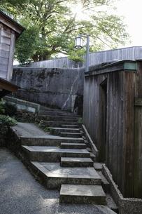 裏路地の階段の写真素材 [FYI00304183]