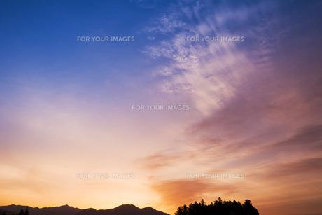 朝焼けの空の写真素材 [FYI00306692]