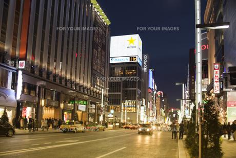 銀座4丁目の夜景の写真素材 [FYI00307126]