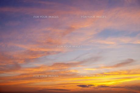 夕焼けの空の写真素材 [FYI00307393]