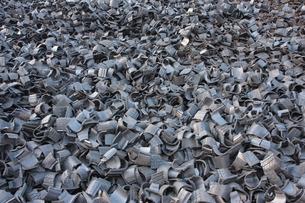 たくさんのタイヤチップの写真素材 [FYI00307731]