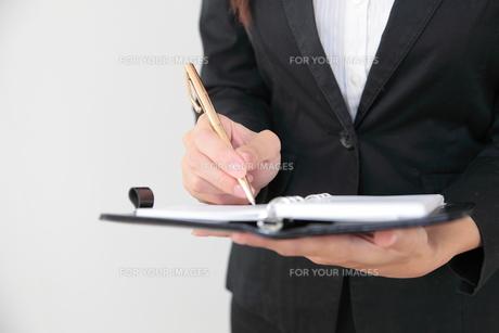 手帳とペンの写真素材 [FYI00307784]