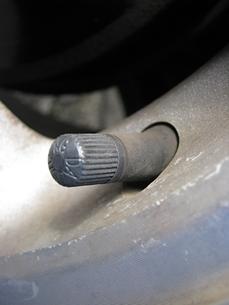タイヤのバルブの写真素材 [FYI00307903]