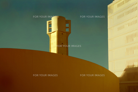 東京 赤羽台の団地の給水塔の写真素材 [FYI00308483]