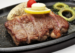 石垣牛ステーキの写真素材 [FYI00309226]