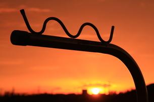 物干しと夕日の写真素材 [FYI00309793]