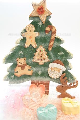 クリスマスイメージ(縦)の写真素材 [FYI00311261]