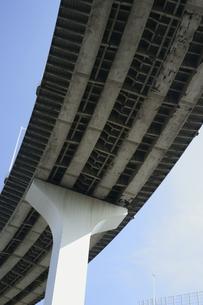 高速道路の高架下/レインボーブリッジの写真素材 [FYI00311312]