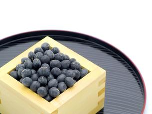 黒豆と升とお盆の素材 [FYI00311554]