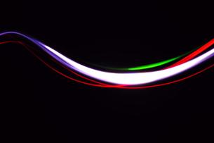 光線画 光り流れるの素材 [FYI00311645]
