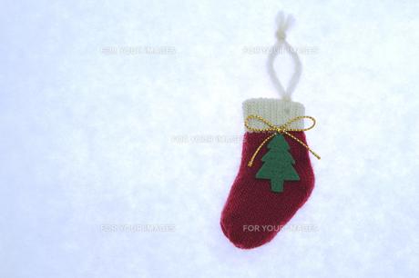 クリスマス 赤い靴下の写真素材 [FYI00311719]