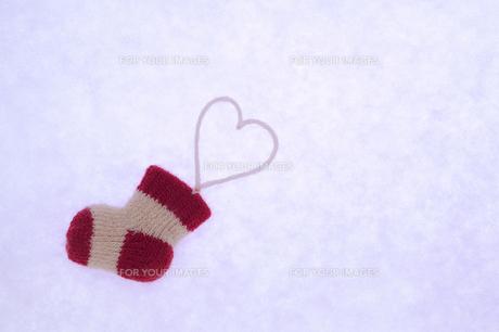 クリスマス 靴下とハートの写真素材 [FYI00311732]