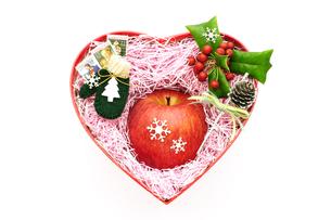 リンゴのクリスマスプレゼントの写真素材 [FYI00311784]