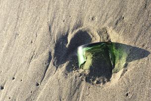 海岸で危険な落し物の写真素材 [FYI00311846]