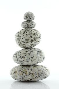 石を積み上げるの写真素材 [FYI00312127]