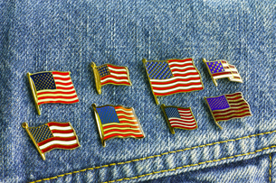 アメリカ国旗ピンバッジの写真素材 [FYI00312305]