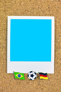 ポラロイド サッカー 国旗のピン ブラジル ドイツの写真素材 [FYI00312318]