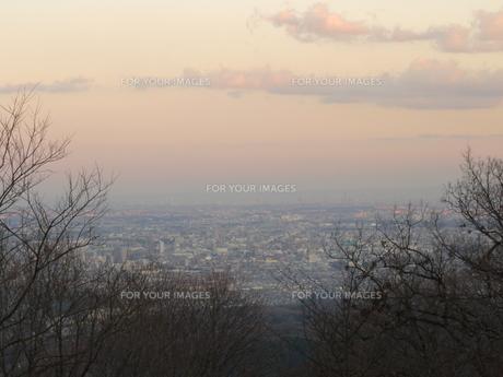 高尾山頂上からの夕景の写真素材 [FYI00312444]