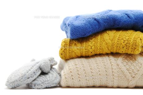 セーターと手袋の写真素材 [FYI00312798]