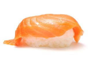 サーモンの握り寿司の写真素材 [FYI00312910]