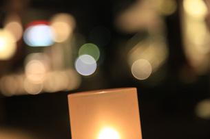 夜のオープンカフェの写真素材 [FYI00313291]