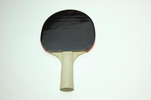 黒い卓球ラケットの写真素材 [FYI00313372]