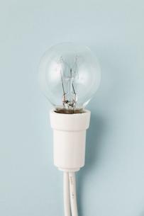 白いソケットのライトの写真素材 [FYI00313439]