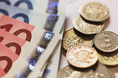 ユーロとイギリス通貨の写真素材 [FYI00313624]