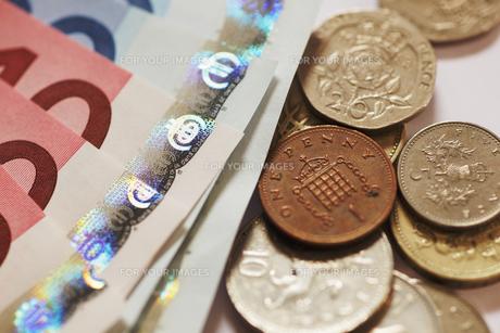 ユーロとイギリス通貨の写真素材 [FYI00313631]