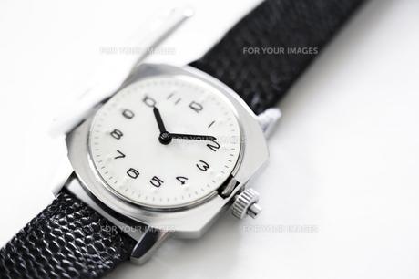 視覚障害者用腕時計の写真素材 [FYI00313841]