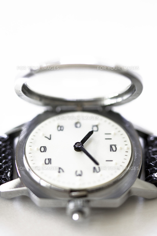 視覚障害者用腕時計の写真素材 [FYI00313849]