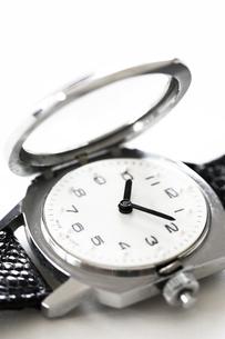 視覚障害者用腕時計の写真素材 [FYI00313859]