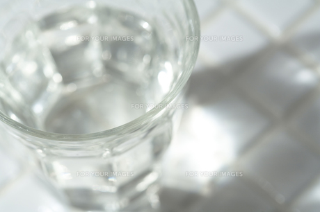 一杯の水の素材 [FYI00314317]