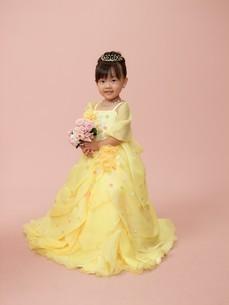 ドレス 女の子写真の写真素材 [FYI00314938]
