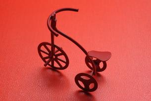 赤い三輪車の写真素材 [FYI00315519]