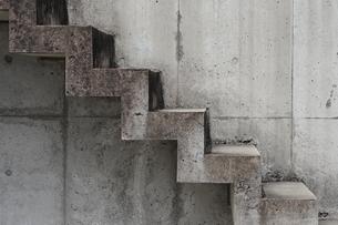 コンクリートの階段の写真素材 [FYI00315602]