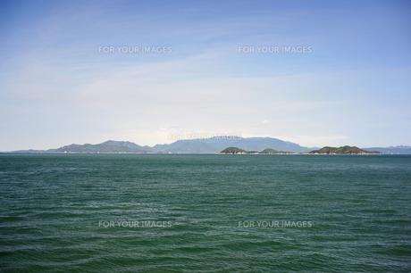 高松沖から小豆島を臨むの素材 [FYI00315782]