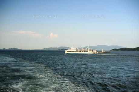 高松港から瀬戸内海を臨む2の素材 [FYI00315790]