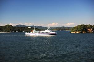 直島行きフェリーから瀬戸内海を臨む2の写真素材 [FYI00315791]