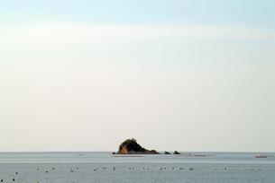 瀬戸内海の小さな無人島の素材 [FYI00315918]