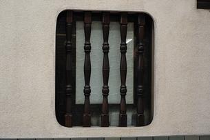 飲食店のレトロな窓の写真素材 [FYI00316138]