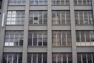 大阪中央郵便局の外壁の写真素材 [FYI00316179]
