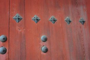 寺院の門塀の写真素材 [FYI00316188]