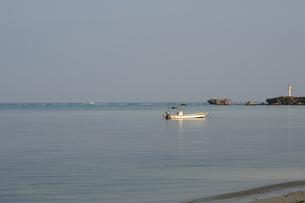 備瀬の小舟-2の写真素材 [FYI00316357]