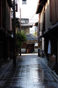 祇園のお茶屋街-3の写真素材 [FYI00316388]
