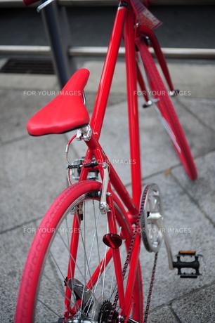 赤い自転車-2の写真素材 [FYI00316649]