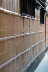 町家の竹壁の写真素材 [FYI00316698]